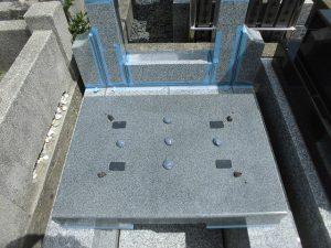 地震対策として免震シートと耐震ボンドを使用しています。