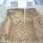 寒冷地のため地面から120㎝ほど深く掘り下げます。