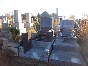 石塔をインドマホガニー、外柵をG688中目で作った洋型のお墓