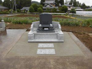 本日もまごころ職人が工夫を施したお墓が完成しました。