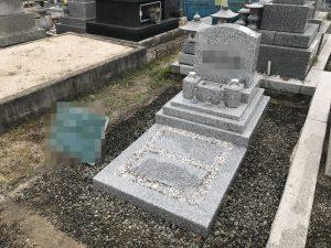 白御影石G688を使用した洋型のお墓が無事完成しました。敷地まわりは後日お施主様がお花を植える予定です。