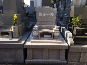 女性に人気のピンク御影石G488を使用した和型のお墓が無事完成しました。